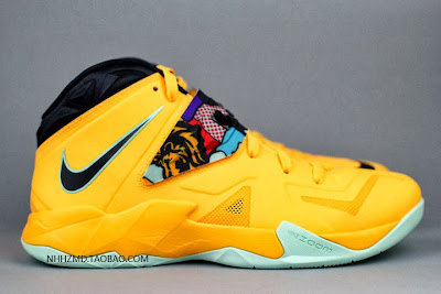 nike zoom soldier 7 gr yellow pop art 4 12 Nike Soldier VII Coconut Groove aka Pop Art available at Eastbay