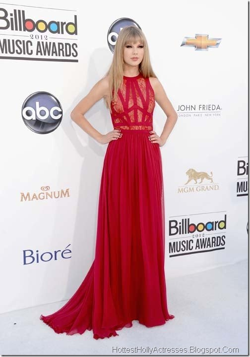 Taylor Swift Hot Pictures in Red Dress 8