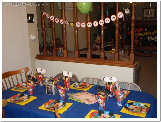 Mickey Mouse Clubhouse decorations