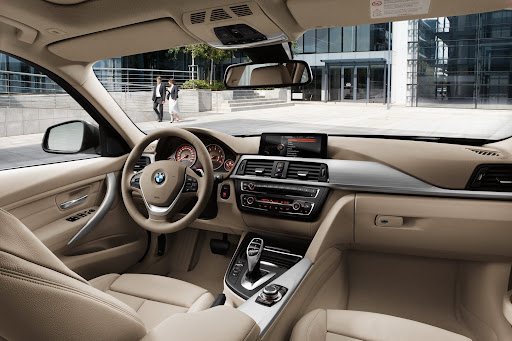 2013-BMW-3-Series-19.jpg