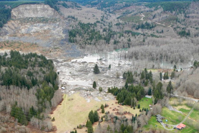 Aerial view of the mudslide that buried two neighborhoods in Oso, Washington, on 22 March 2014. Photo: Washington State Dept of Transportation