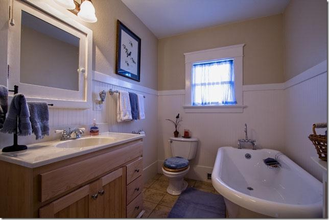 eureka home bathroom