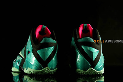 nike lebron 11 gr south beach 2 08 Nike LeBron XI South Beach Release Date (616175 330)
