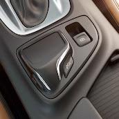 Makyajli-Opel-Insignia-2014-16.jpg