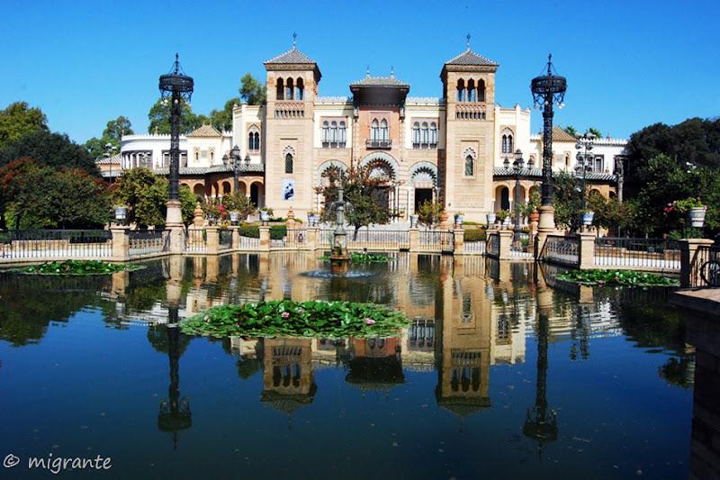 Museo de Artes y Costumbres en Plaza de América - Sevilla
