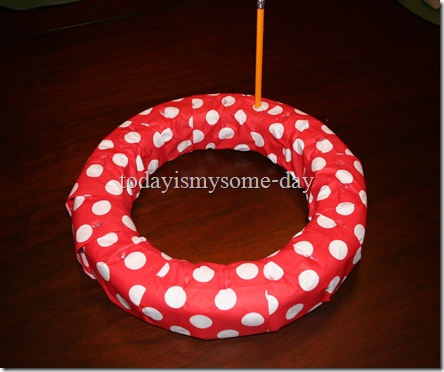 valentines napkin wreath 2