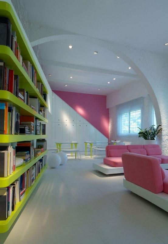 gloss-bookcase