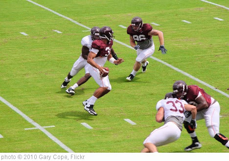 'Logan Thomas under pressure' photo (c) 2010, Gary Cope - license: https://creativecommons.org/licenses/by-nd/2.0/
