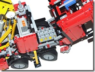 Lego-8258-Truck-Review-Engine
