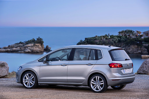 VW-Golf-Sportsvan-11.jpg