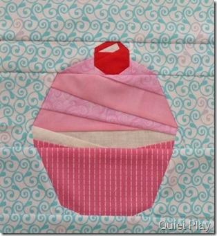 Paper pieced cupcake