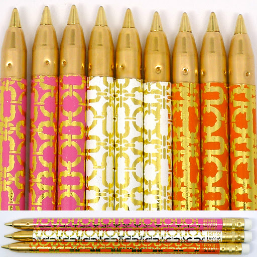 A small and glamorous gift to give to friends for Valentine's Day (pens from Iomoi).