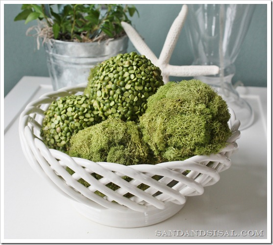 Decorative Pea and Moss Balls 