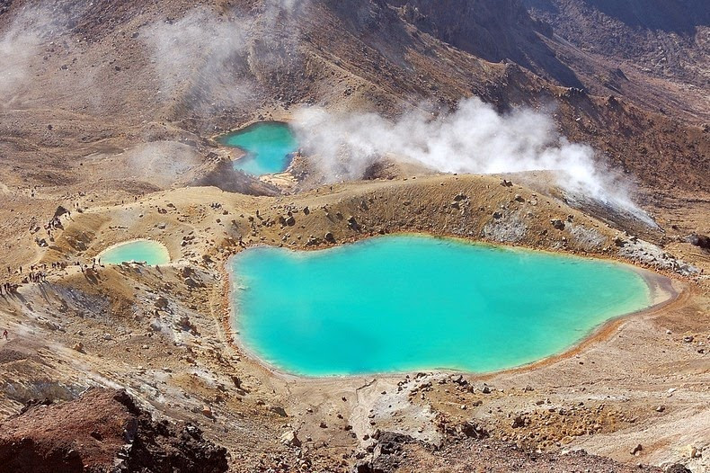 tongariro-lakes-4
