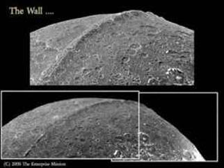 iapetus anomalia esferica