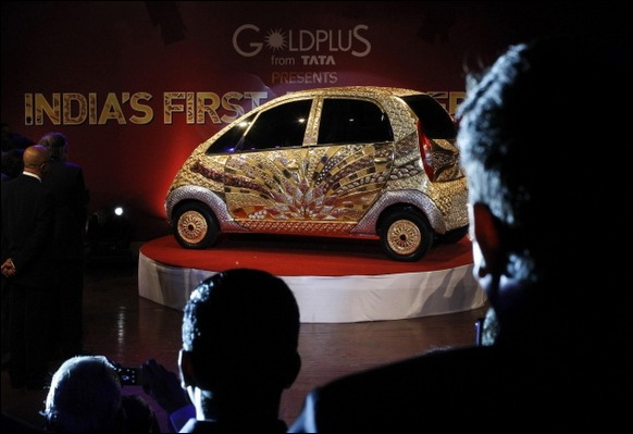 Indian-Car-Maker-Tata-Unveils-Gold-plated-Nano_04