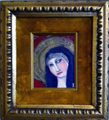 Mary in velvet frame 002