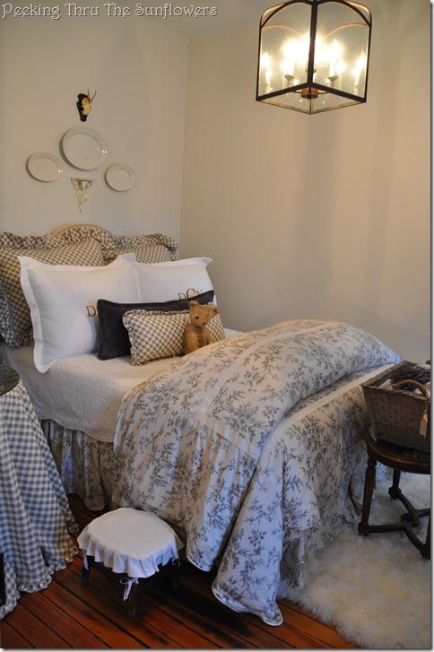 guest bedroom 2 001