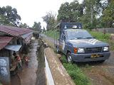 Police arrive for negotiations on Gunung Liman! (Dan Quinn, December 2012)