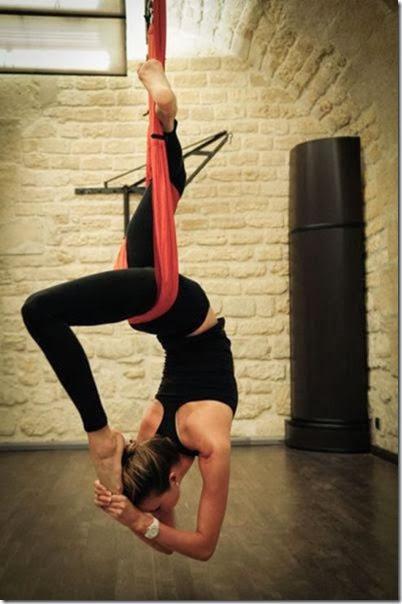 girls-stretching-yoga-024