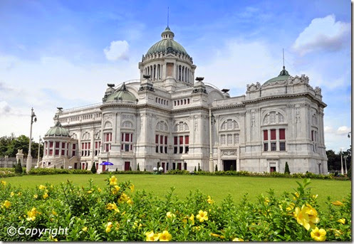 ananta-samakhom-throne-hall