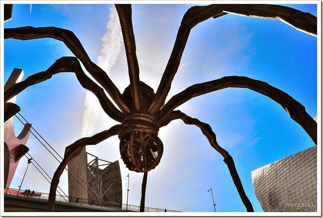 la-araña-gigante-mama-de-la-artista-louise-bourgeois