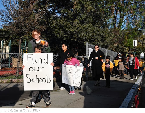 'Fund our Schools - March4 Day of Action' photo (c) 2010, Dave - license: http://creativecommons.org/licenses/by-nd/2.0/