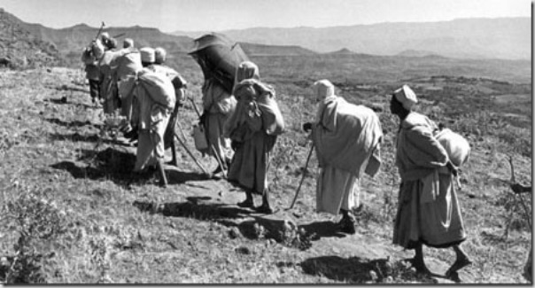 Nowsdays thousand of Christians peregrinate on foot during days, weeks to lalibela. During the Middle Ages Lalibela was a centre of alternative pilgrimage to Jerusalem  for Christians Copts due to Islamic  invasion of Holy land.