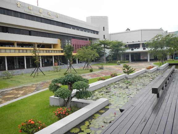 走訪雲林縣政府-貼心的親民空間與大樓迴廊