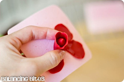 How to make gum paste roses (7)