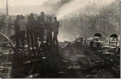 oficiais-dos-bombeiros-trabalhavam-para-apagar-o-fogo-que-botou-o-gran-c