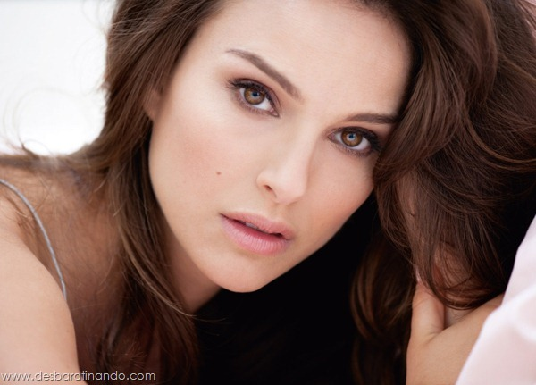 natalie-portman-sexy-linda-sensual-sedutora-beijo-lesbico-cisne-negro-desbaratinando (7)