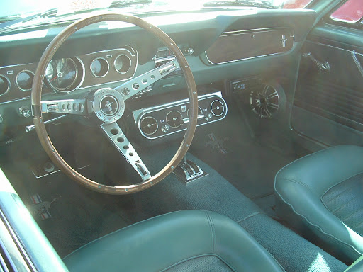 1966 Ford Mustang - dash