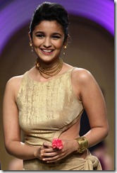 Alia Bhatt Latest Hot Photos at IBFW 2013, Alia Bhatt Latest Hot Pictures 2013