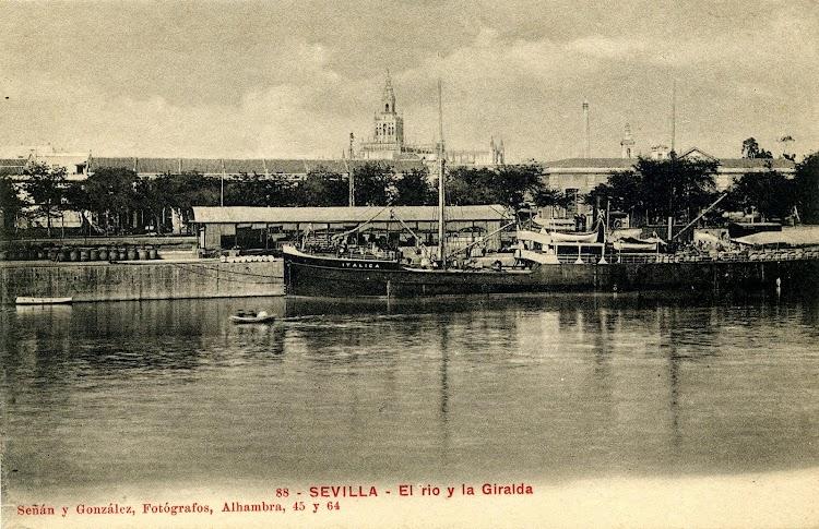 El segundo ITALICA en el puerto de Sevilla. Postal.JPG
