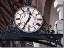220px-Clock_in_Kings_Cross