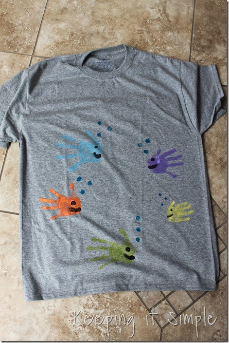 Father's-Day-Shirt-Idea-Fish-Handprint (6)
