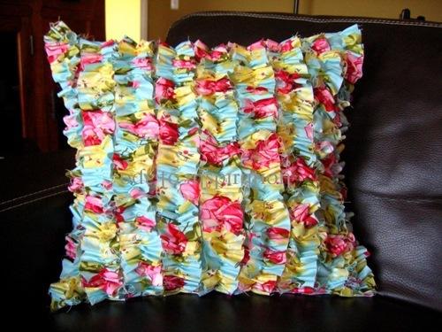 ruffle-pillow