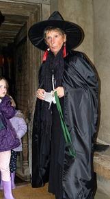 Ведьмочка на Хэллоуин