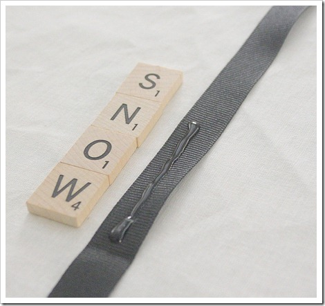 how to make scrabble letter ornaments