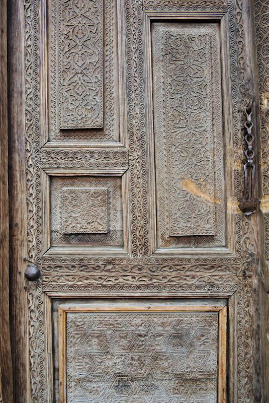 Intrarea intr-un mausoleu, detaliu.
