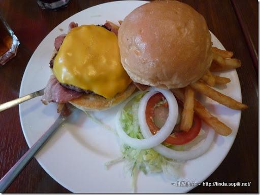 EVANS BURGER-紐澳良辣味牛肉堡