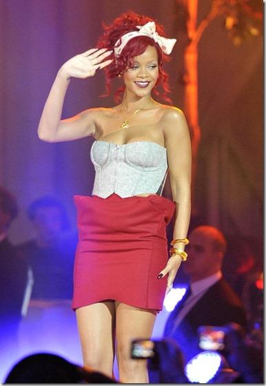 Rihanna Rihanna in White City xqpJsVMuy6-l