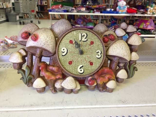 thriftscorethursday mushroom clock