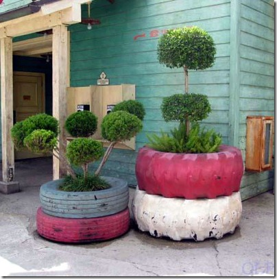diy-outdoor-planters-of-recycled-tires-1