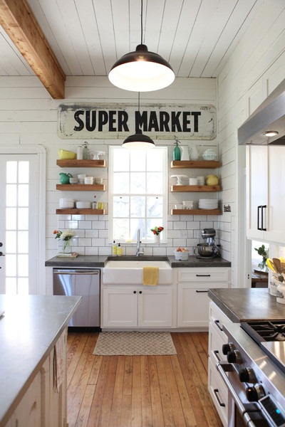 farmhouse open shelves kitchen