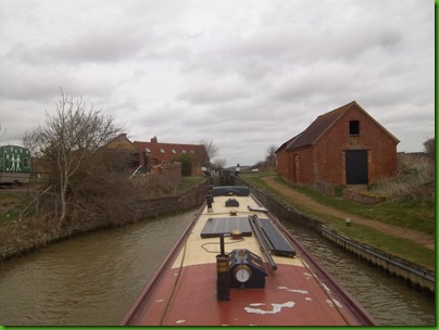 005  Entering Claydon Top Lock
