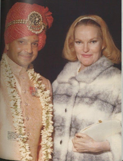 With the Maharaja Bhawani-Singh of Jaipur at a wedding at City Palace (Jaipur, India, 1966)