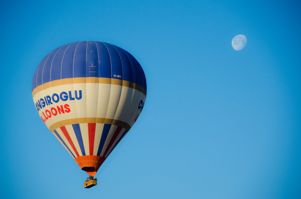 Hot air balloon with moon