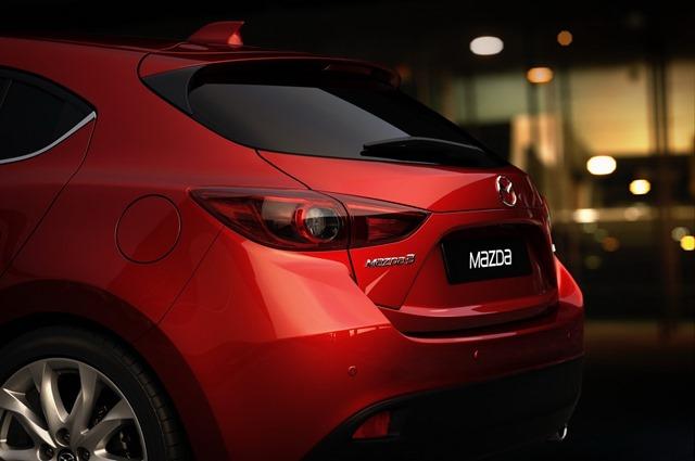 2014-Mazda3-001
